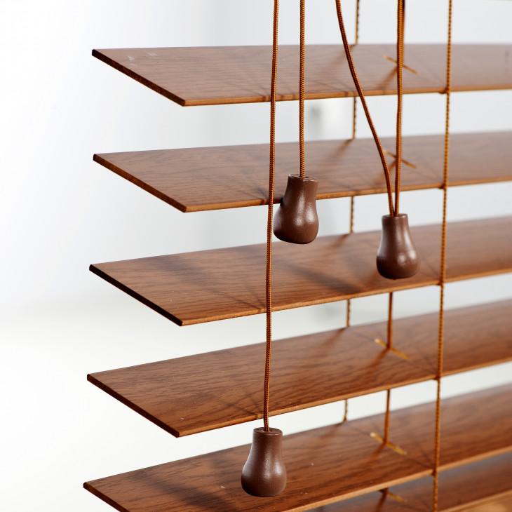 Horizontální dřevěné žaluzie